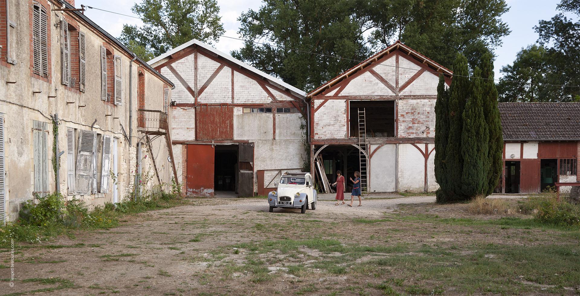 Julie Beal et le moulin abandonné de Vierzon