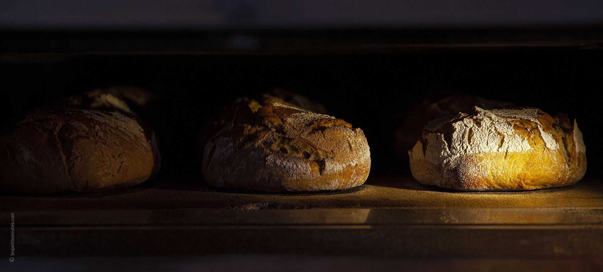Les Petites Routes dans la boulangerie Le Goût du Pain à Aigremont.